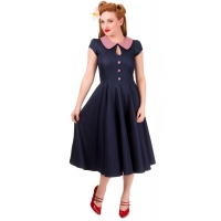 Robe pin-up bleu jeans et vichy rouge.