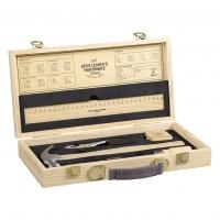 Caisse à outils vintage en bois.