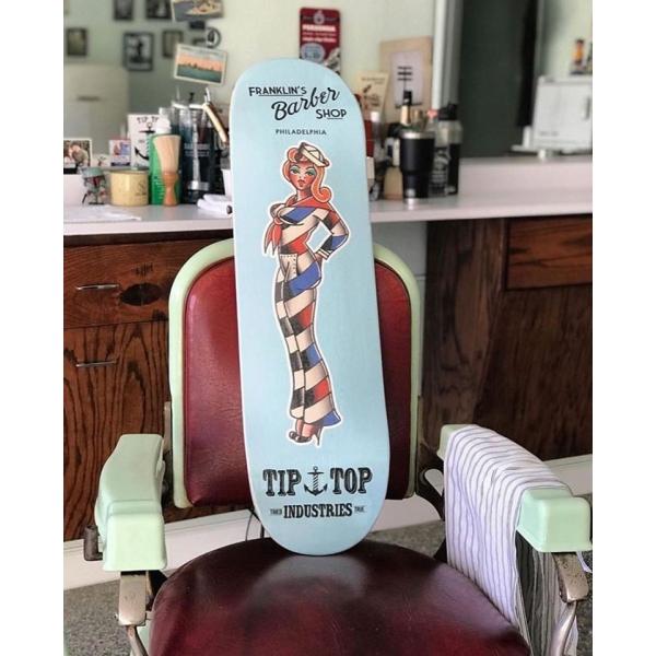 Planche de skate pin-up barbershop Tip Top pomade.