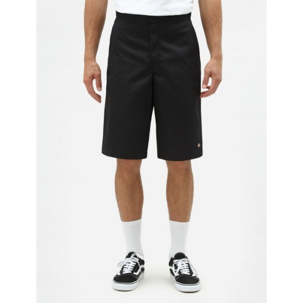 "Short dickies noir 13"" coupe loose fit."