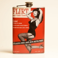 Flasque à alcool vintage Bettie Page.